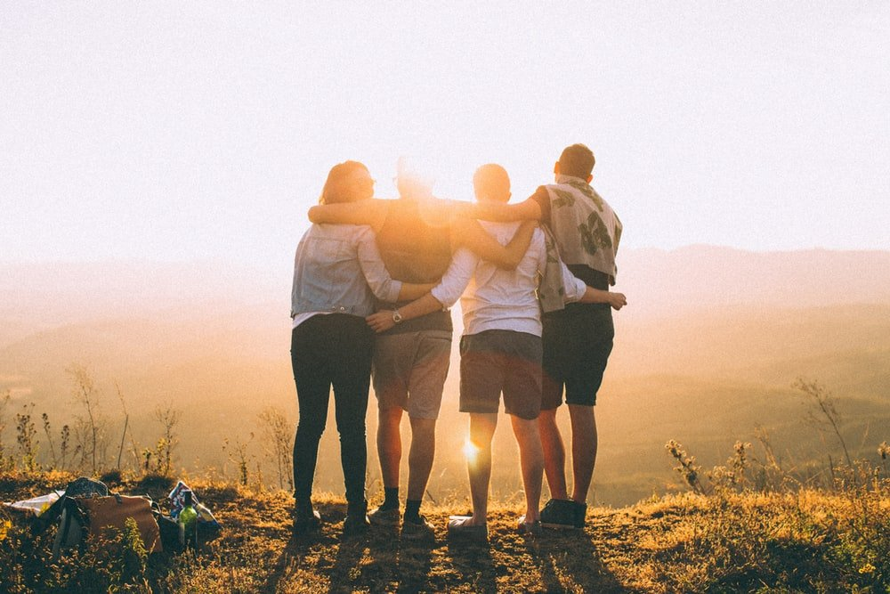 How Friends and Family Can Help an Alcoholic Overcome Addiction-hands